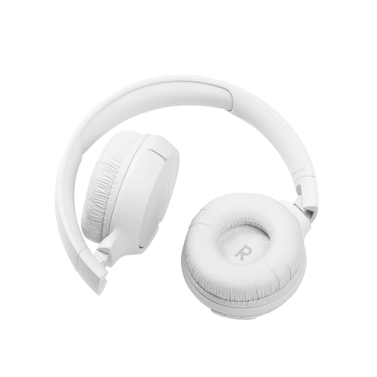 JBL Tune 510BT - White - Wireless on-ear headphones - Detailshot 1