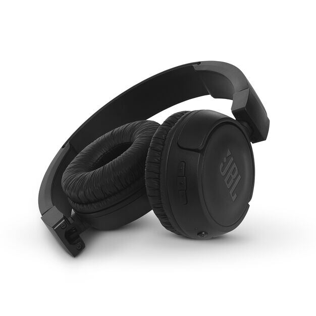 JBL T460BT - Black - Wireless on-ear headphones - Detailshot 1